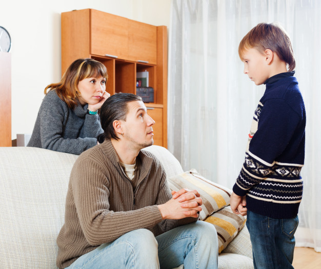 Qual a melhor maneira de fazer um divórcio com filho menor e partilha de bens?